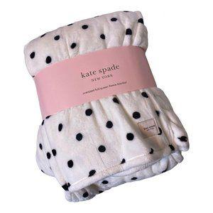 Kate Spade Oversized Full / Queen Fleece Blanket